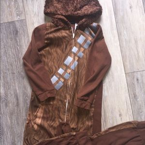 Adorable Star Wars Chewbacca footless pjs! Size 8!